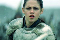 snow-white-and-the-huntsman-still-250.jpg