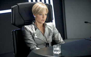 elysium-photo-jodie-foster-350.jpg