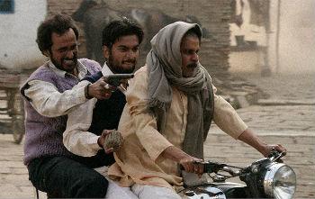 gangs_of_wasseypur_02-350.jpg
