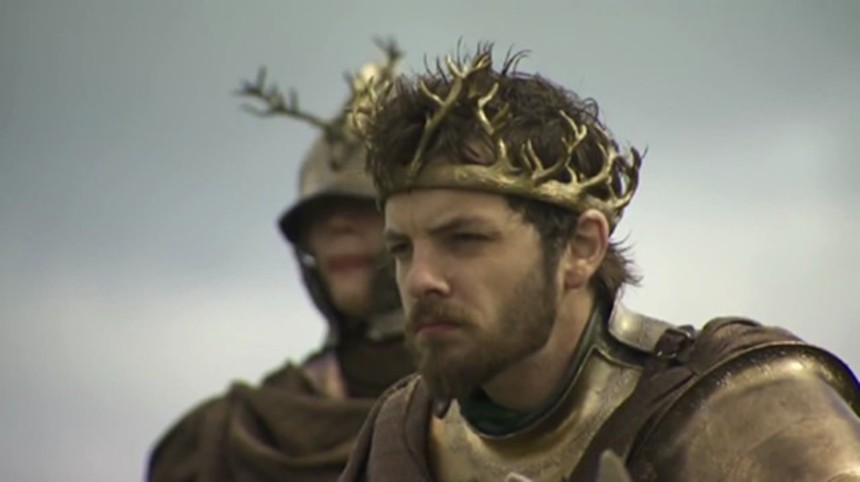 TV Review: GAME OF THRONES S2E3: WHAT IS DEAD MAY NEVER DIE (aka My Crown Is Horny And So Am I)