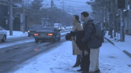 Cannes 2011: Hong Sang Soo is Going Backwards with THE DAY HE ARRIVES Trailer