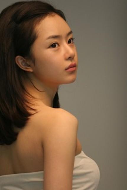 Seo Woo Joins Jeon Do-Yeon in 하녀 (The Housemaid) Remake