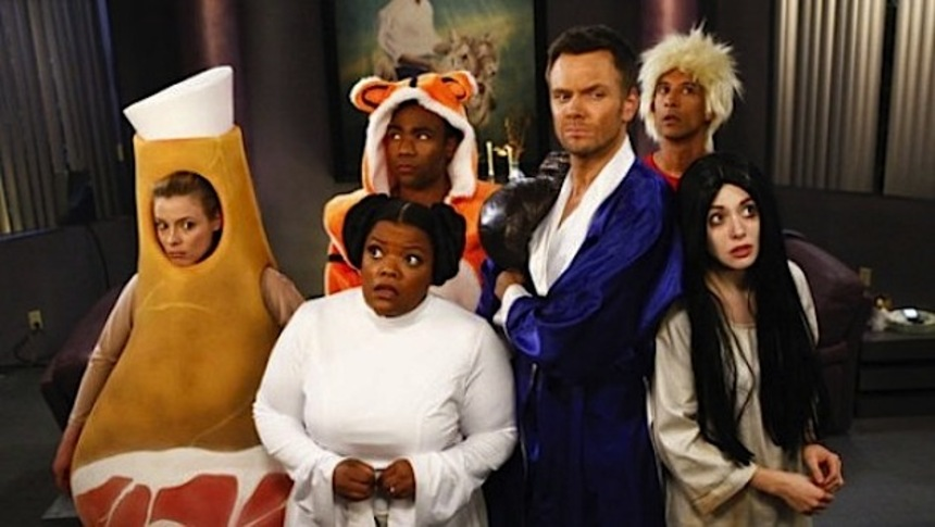 TV Review: COMMUNITY S4E02, Paranormal Parentage (Or, A Visit To Pierce's Mansion On Halloween Proves Hollow)