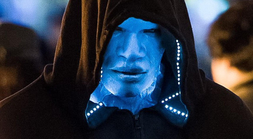 First Shots Of Jamie Foxx As Electro In THE AMAZING SPIDER-MAN 2