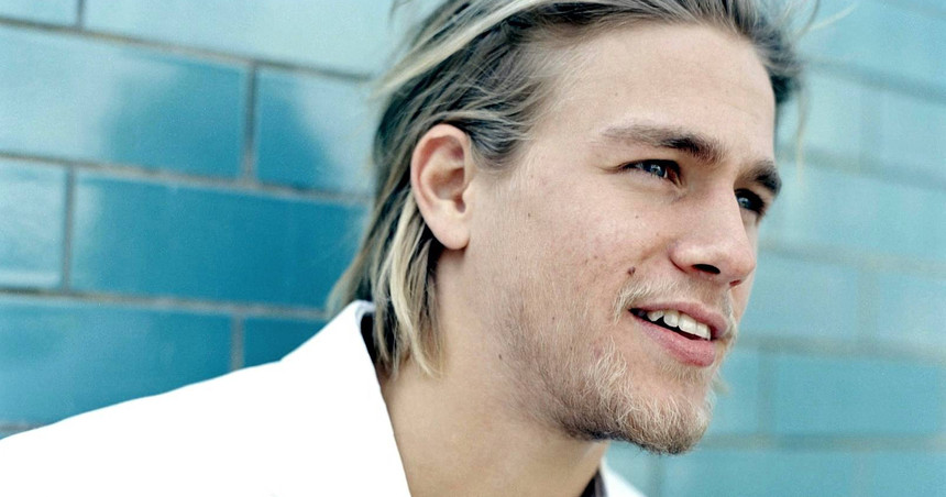 From Giant Robots To Heaving Bosoms: Universal Wants Charlie Hunnam For 50 SHADES OF GREY