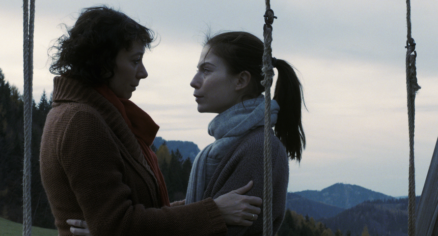 Viennale 2013 Review: OCTOBER NOVEMBER, An Intense Family Drama A Tad Overboiled