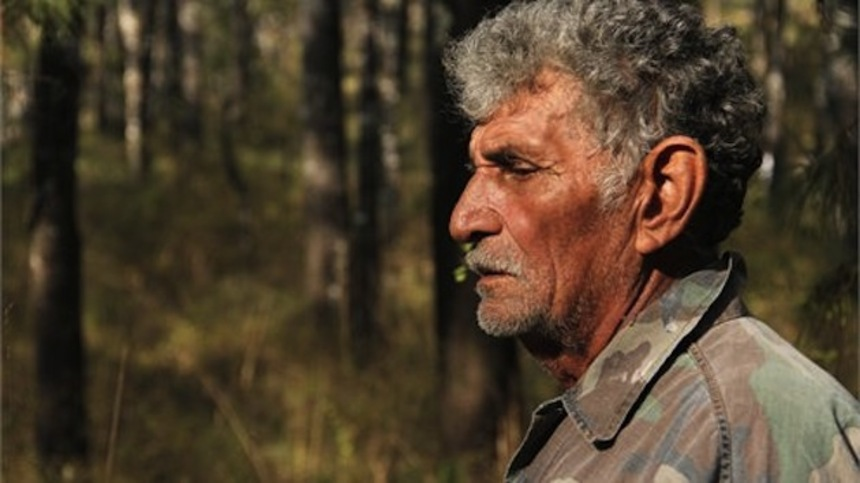 Ambulante 2014 Review: DARKNESS (PENUMBRA) Follows A Deer Hunter Who Will Bore You To Death