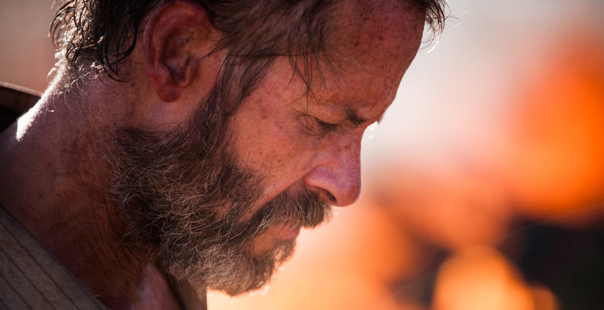 David Michôd's THE ROVER: Pearce And Pattinson Stumble Through The Wasteland In First Teaser