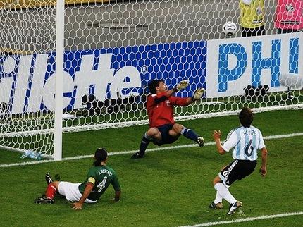 LA ILUSIÓN NACIONAL Trailer: Olallo Rubio Brings A Soccer Doc Prior The FIFA World Cup