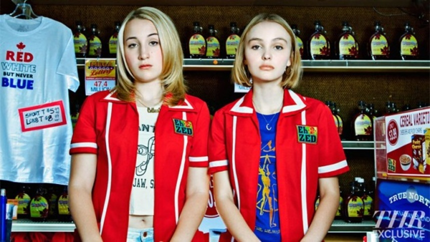 Your First Look At Smith And Depp In Smith's YOGA HOSERS!