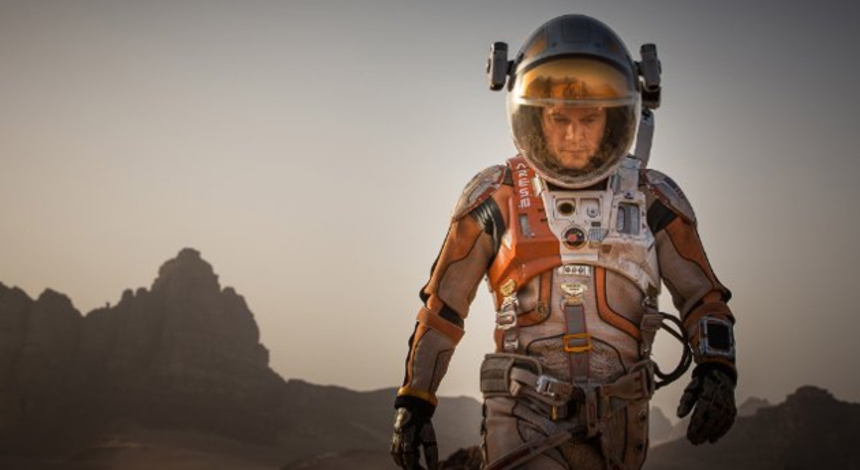 THE MARTIAN: Matt Damon Sciences 'Something' Out Of The Official Trailer