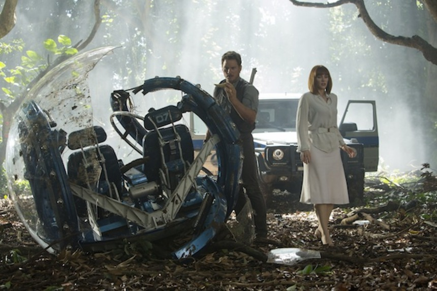Review: JURASSIC WORLD, When Brand(ed) Chaos Reigns