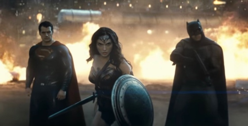 New BATMAN V SUPERMAN: DAWN OF JUSTICE Trailer Puts It All On Show