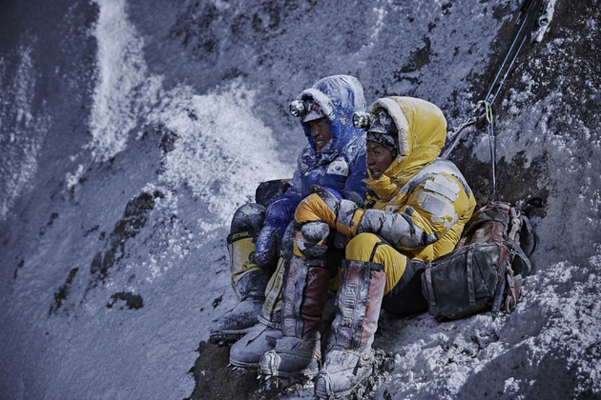 Review: THE HIMALAYAS Swaps Snowflakes For Tears