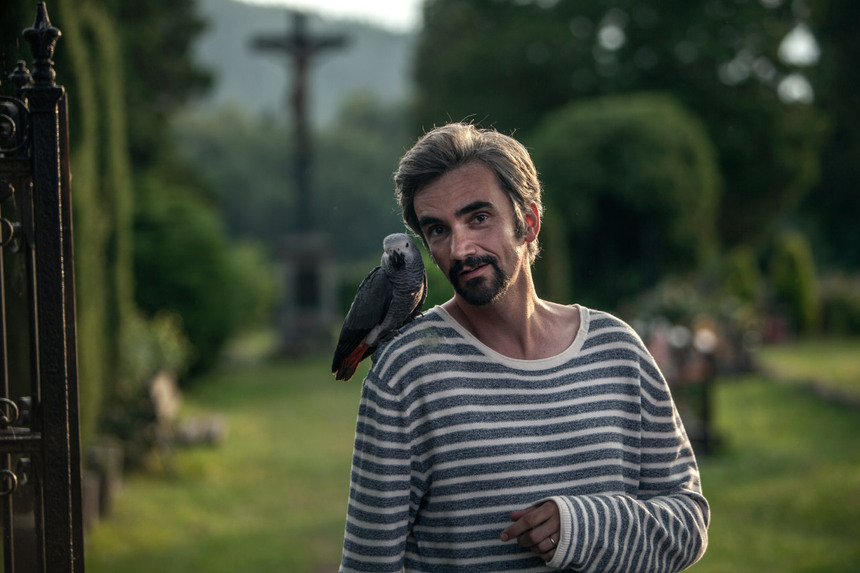 Review: LOST IN MUNICH, A French Parrot In The Czech Republic