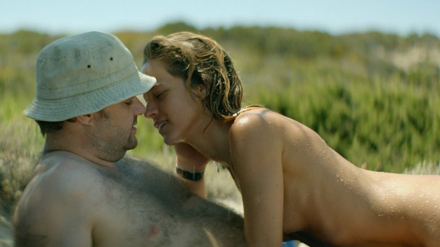 Review: Naivety Goes Awry in Coming-of-Middle-Age Greek Dramedy SUNTAN