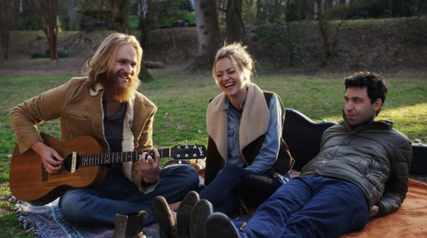 Tribeca 2016 Review: FOLK HERO & FUNNY GUY, A Witty Tale Of Best Friends (And Frenemies) On The Road
