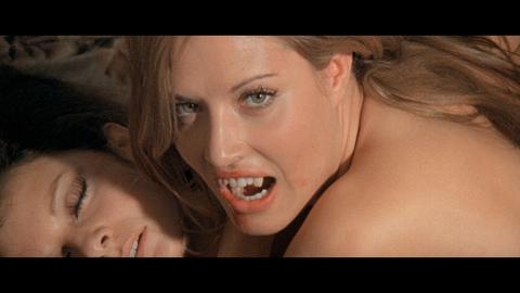 Daughter_of_Dracula_2.jpg