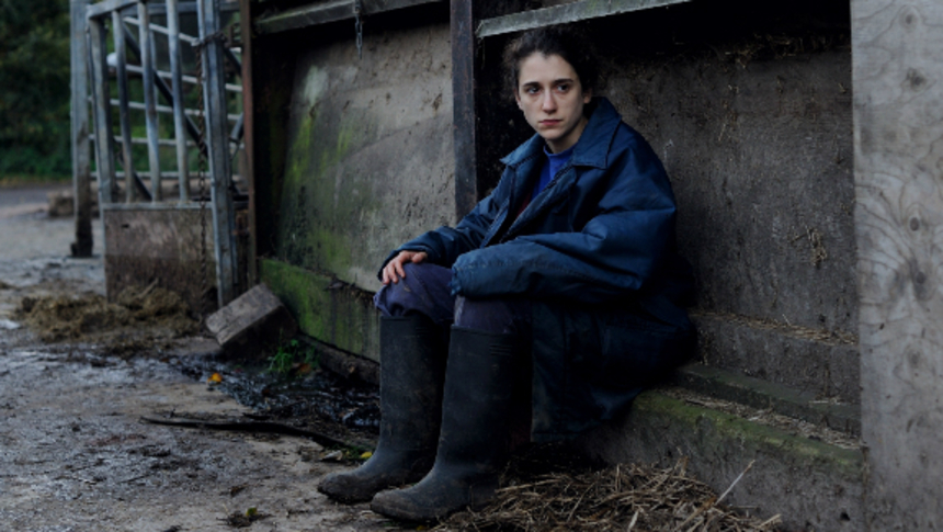 Review: THE LEVELLING, Intense and Moving Portrait of Family Grief