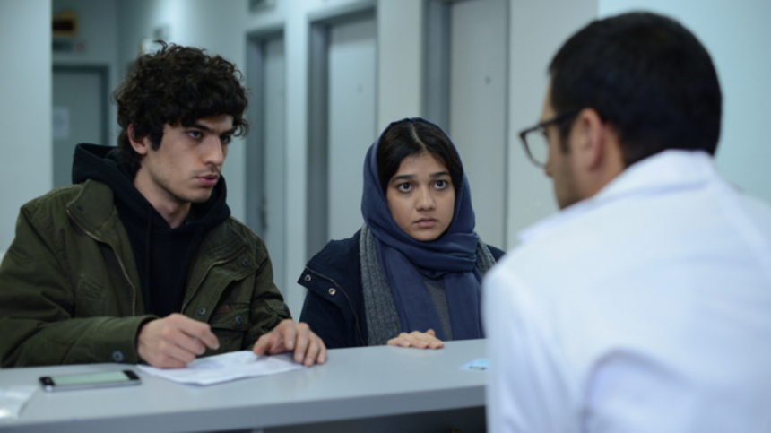 Review: DISAPPEARANCE Pits the Younger Generation Against Tehran Traditions and Prejudice