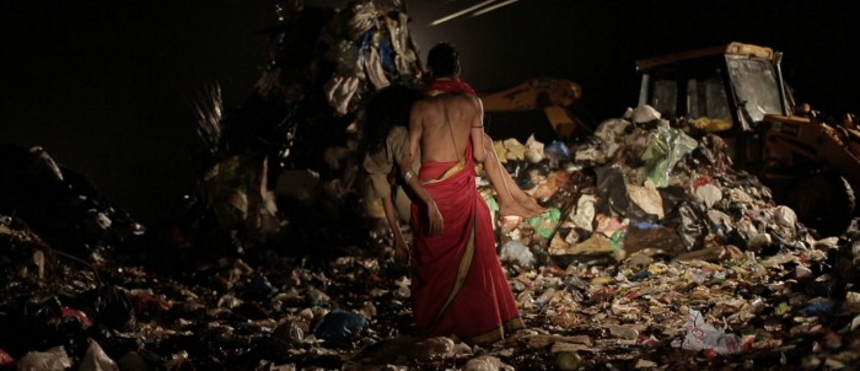 Berlinale 2018 Review: GARBAGE Savagely Attacks Religious Hypocrisy In Media Addicted India