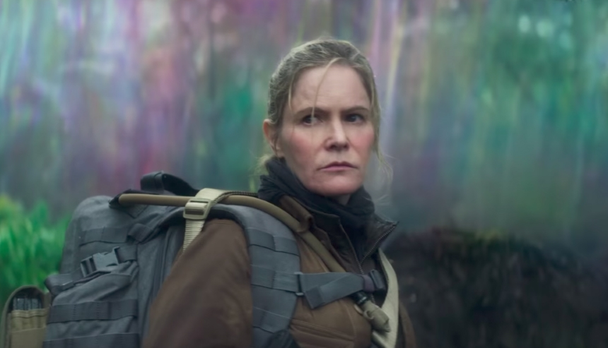 Review: ANNIHILATION, a Rainbow Hell of Genre Splicing