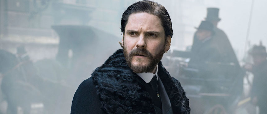 THE ALIENIST Interview: Daniel Brühl Talks 19th-Century Psychology And Classic Crime Fiction