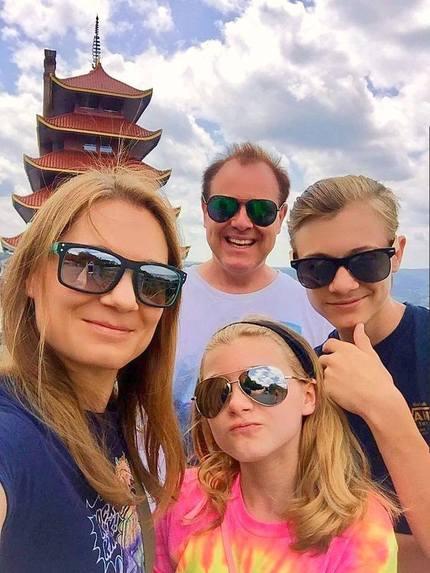 American Selfies: The REEL Family