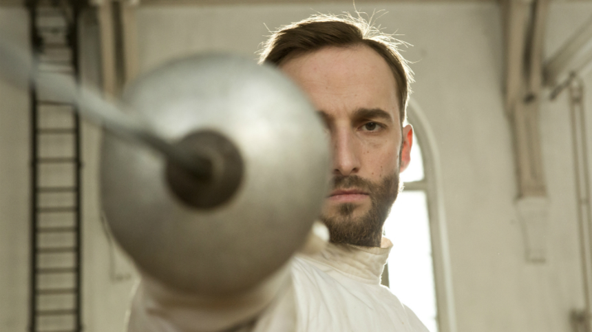 Review: THE FENCER, History Crosses Swords at School