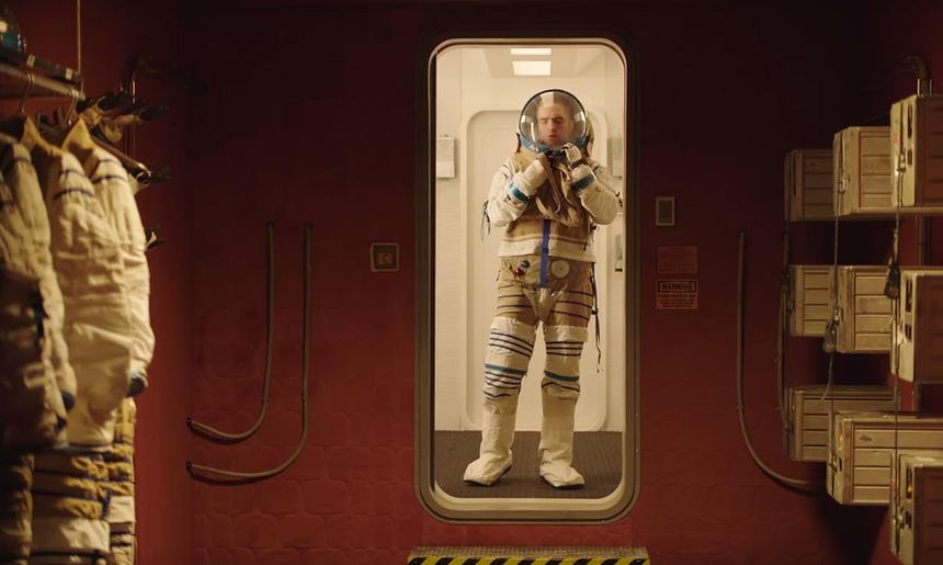 Toronto 2018 Review: HIGH LIFE, Eroticism and Solitude in Deepest Space