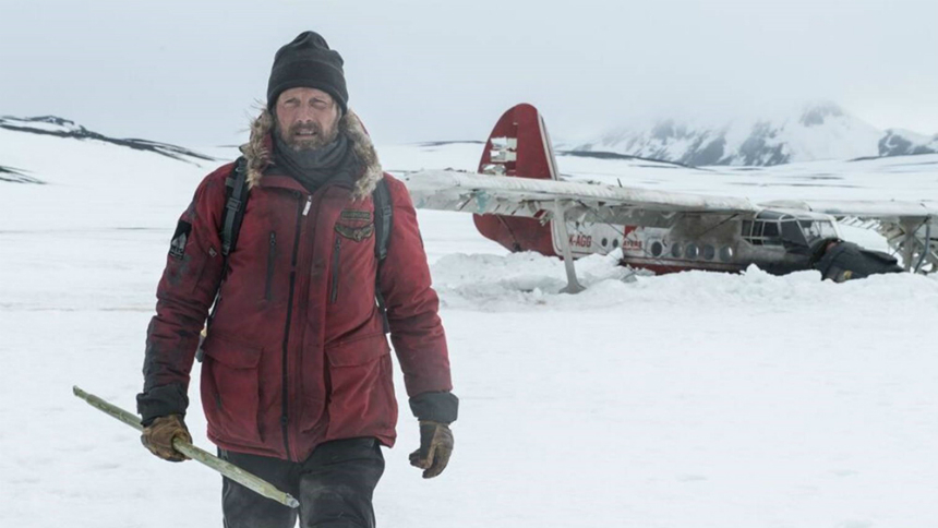 Review: In ARCTIC, Mads Mikkelsen Struggles to Survive